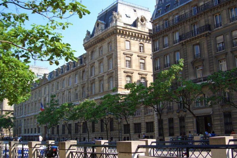 パリ 警視庁 レ・ミゼラブル登場の場所